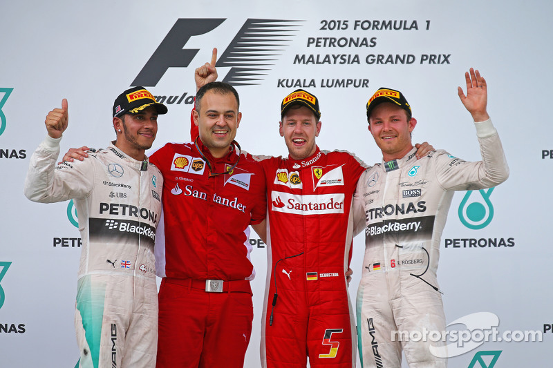 Podium: race winner Sebastian Vettel, Ferrari, second place Lewis Hamilton, Mercedes AMG F1, third p