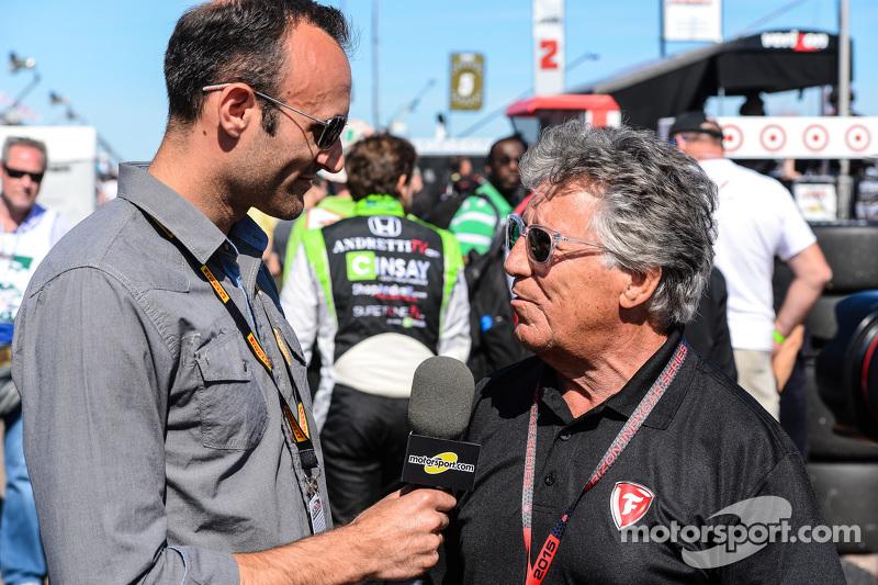 Motorsport电视的Guy Cosmo和Mario Andretti