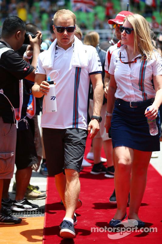 Valtteri Bottas, de Williams, en el desfile de pilotos