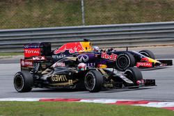 Romain Grosjean, Lotus F1 Team and Daniel Ricciardo, Red Bull Racing