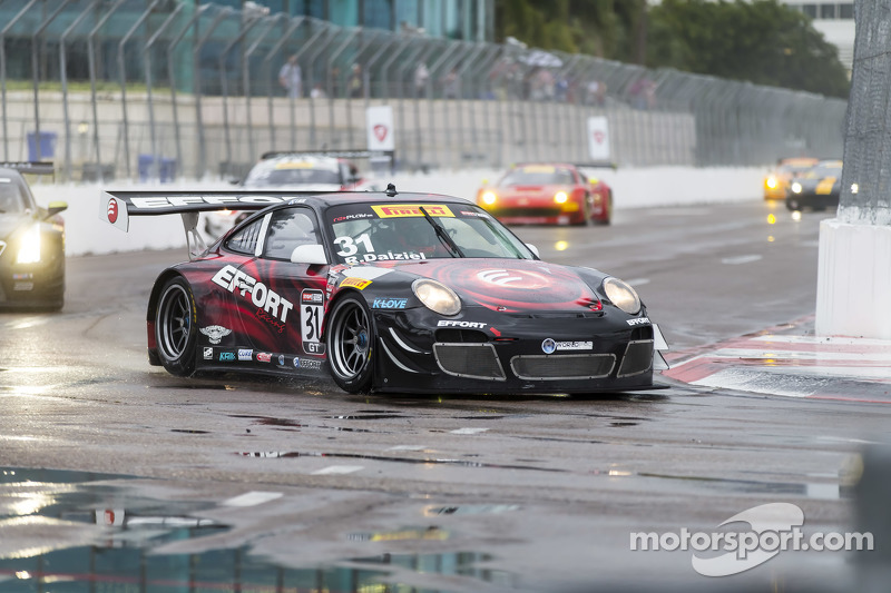 #31 EFFORT Racing, Porsche 911 GT3 R: Ryan Dalziel