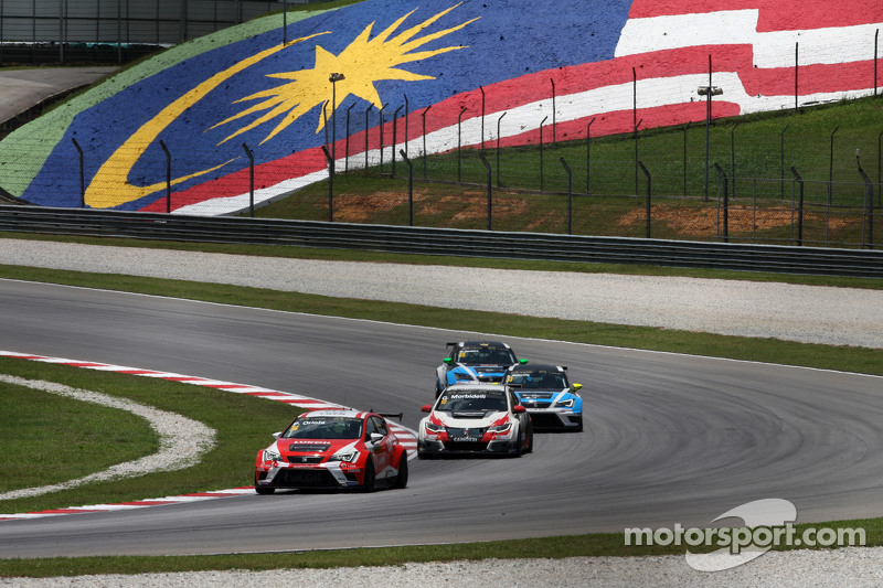 Pepe Oriola, SEAT Leon Racer, Craft Bamboo Racing LUKOIL and Gianni Morbidelli, Honda Civic TCR, Wes