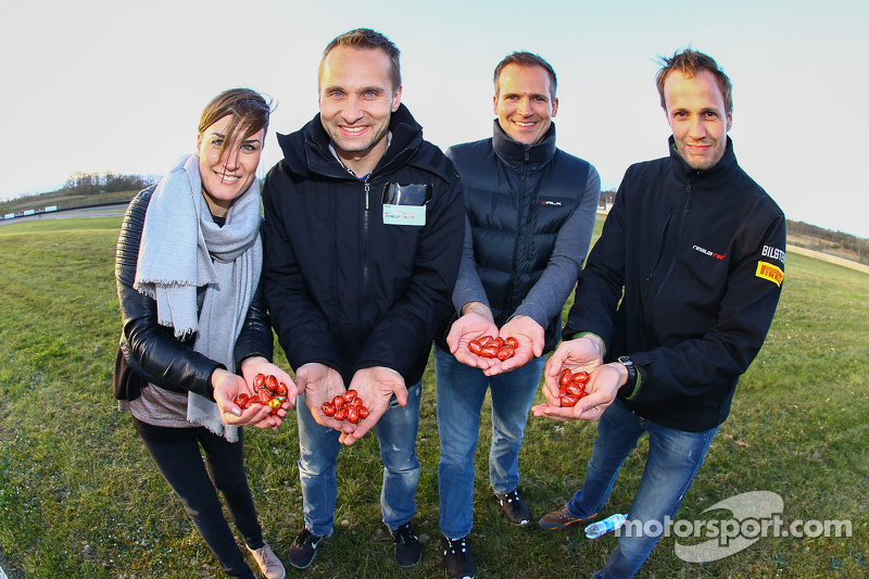 Rinaldi Racing team members find Easter eggs on the circuit