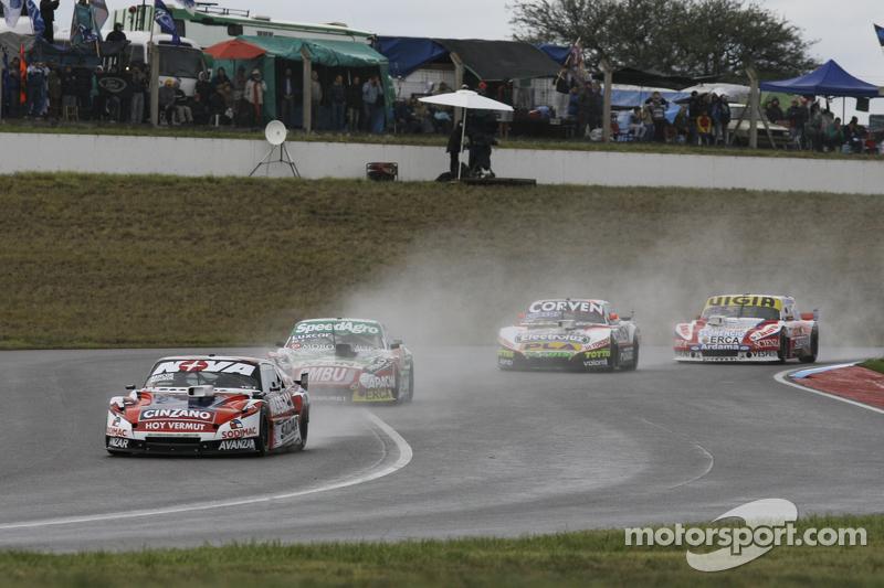Matias Rossi, Donto Racing, Chevrolet; Facundo Ardusso, Trotta Competicion, Dodge; Juan Marcos Angel