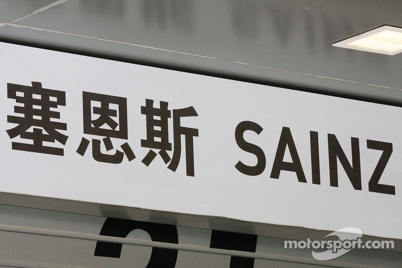 Boxentafel für Carlos Sainz jr., Scuderia Toro Rosso