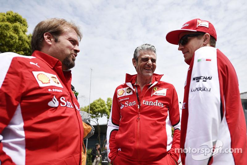 Gino Rosato, Ferrari con Maurizio Arrivabene, Jefe de Ferrari y Kimi Raikkonen