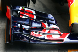 Red Bull Racing RB11 sayap depan