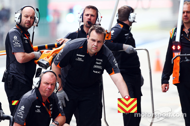 Mecánicos del Sahara Force India F1