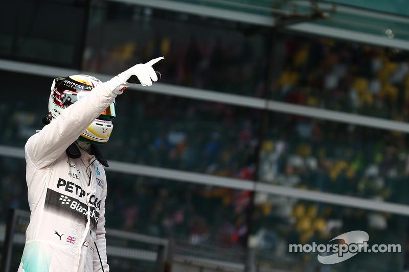 Pole for Lewis Hamilton, Mercedes AMG F2