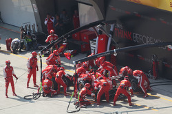 Sebastian Vettel, Ferrari SF15-T faz pit stop