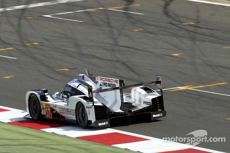 #17 Porsche Team, 919 Hybrid: Timo Bernhard, Mark Webber, Brendon Hartley