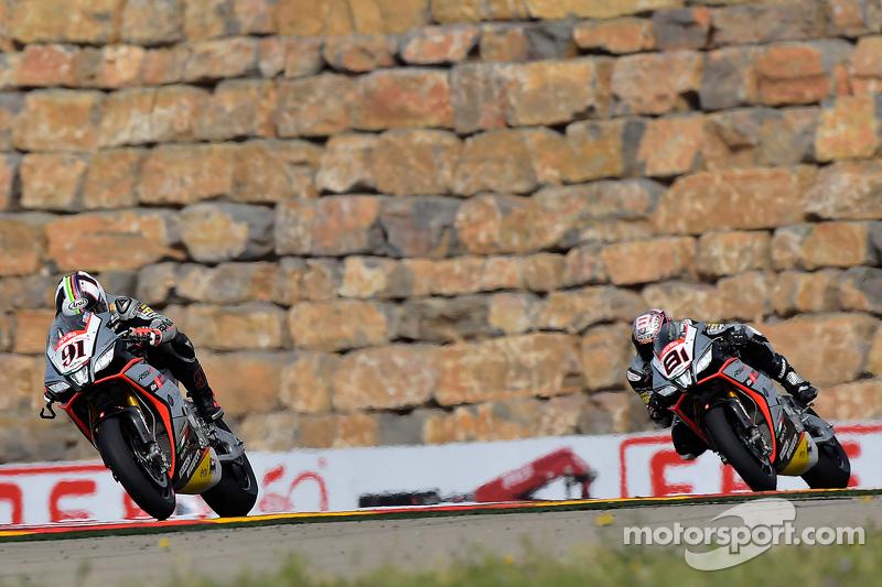Leon Haslam, Aprilia Racing Team, und Jordi Torres, Aprilia Racing Team