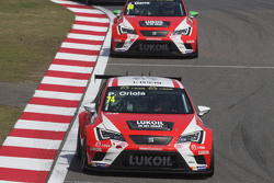 Пепе Оріола, SEAT Leon Racer, Team Craft-Bamboo LUKOIL та Хорді Жене, SEAT Leon Racer, Team Craft-Bamboo LUKOIL