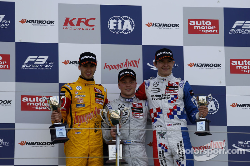 Podium: second place Antonio Giovinazzi, Jagonya Ayam with Carlin and first place Felix Rosenqvist, Prema Powerteam and third place Jake Dennis, Prema Powerteam
