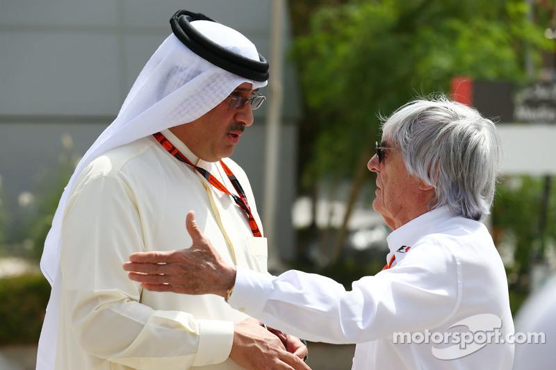 Scheich Mohammed bin Essa Al Khalifa, Geschäftsführer des Bahrain Economic Development Board, und McLaren-Teilhaber, mit Bernie Ecclestone