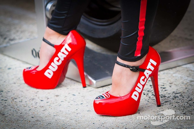 Zapatos Motos At 24 Chica Le En Mans De Hours Ducati Fotos Bike HH47rqxwC