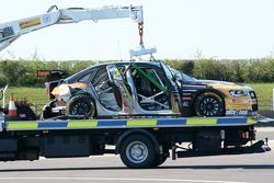 سيارة هانتر أبوت المتضررة، إكسزوسيت ألكوسنس