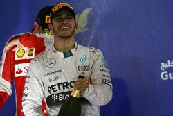 1ое место Льюис Хэмилтон, Mercedes AMG F1