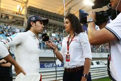 Sergio Pérez, Sahara Force India VJM08 F1 en la parrilla