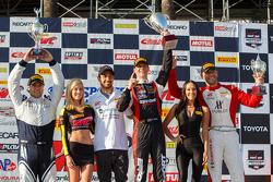 Ganadores GTA podio: Primer lugar Michael Lewis, el segundo lugar Martin Fuentes y tercer lugar Eric
