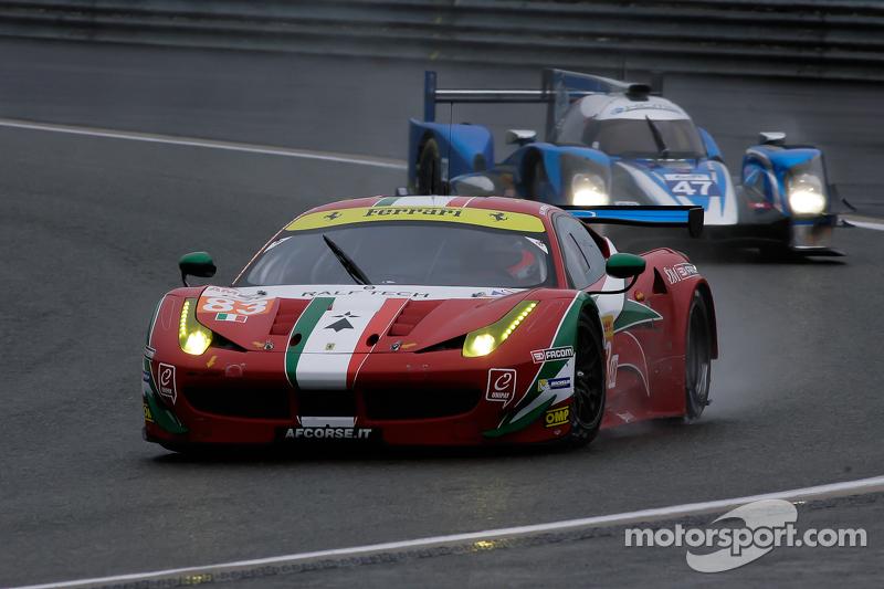 #83 AF Corse Ferrari F458 Italia: Франсуа Перродо, Еммануель Коллар, Руї Агуас