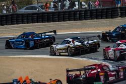 Race start: #10 Wayne Taylor Racing Corvette DP: Ricky Taylor, Jordan Taylor leads