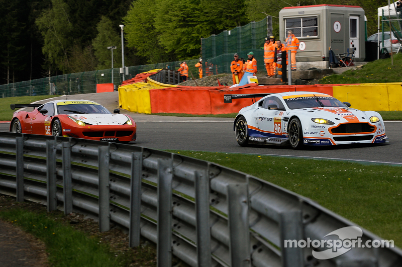 #96 Aston Martin Racing, Aston Martin Vantage V8: Francesco Castellacci, Roald Goethe, Stuart Hall