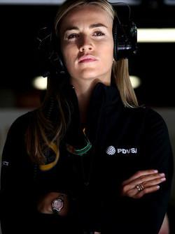 Кармен Хорда, Lotus F1 Team