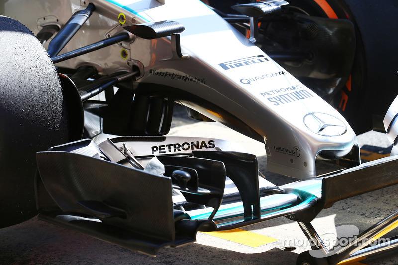 Mercedes AMG F1 W06 ön kanat detayı