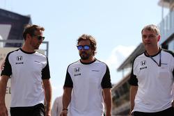 Дженсон Баттон, McLaren Honda и Фернандо Алонсо, McLaren Honda