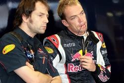 Race engineer Ciaron Pilbeam and Robert Doornbos
