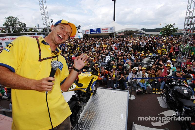 Colin Edwards con fans
