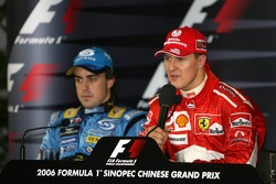 Press conference: race winner Michael Schumacher with Fernando Alonso
