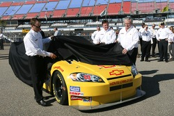 Richard Childress Racing Shell sponsorship press conference: Richard Childress and Kevin Harvick unveil the Shell/Pennzoil 2007 Chevrolet Monte Carlo SS
