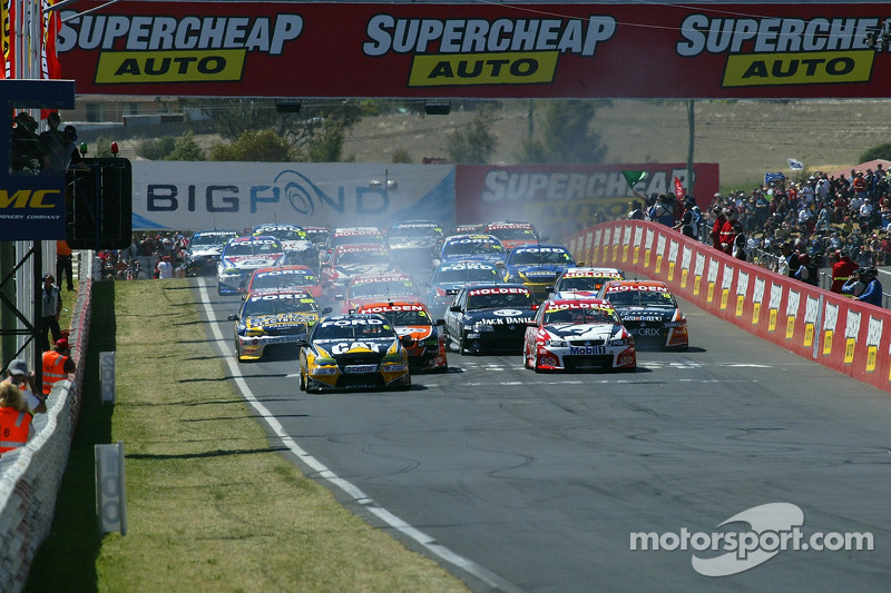 The start of the 2006 Bathurst 1000