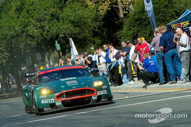 Tomas Enge dans l'Aston Martin DBR9 007