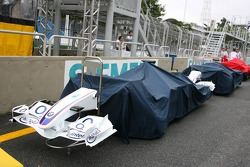 BMW Sauber F1 F1.06 queued for FIA scrutineering