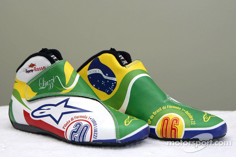 Racing shoes in new design of Vitantonio Liuzzi at Brazilian GP ... 22742f57e920