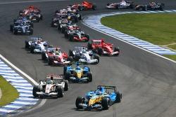 Start: Fernando Alonso and Rubens Barrichello