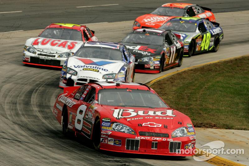 Dale Earnhardt Jr. devance Scott Riggs
