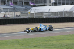 Jonathan Cochet in the Renault F1 R25