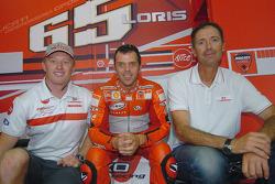 Loris Capirossi with Luna Rossa Challenge skipper Francesco de Angelis