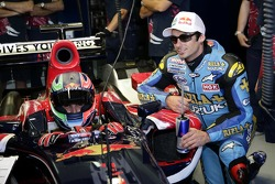 Vitantonio Liuzzi ve John Hopkins