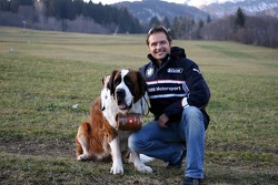 Andy Priaulx and a St. Bernhardshund