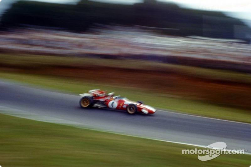 Clay Regazzoni in a blurred shot