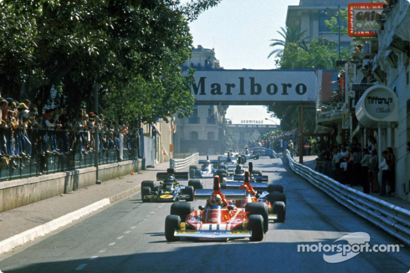 Clay Regazzoni leads Ferrari teammate Niki Lauda at the 1974 Monaco Grand Prix