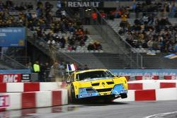 Semi final: Sébastien Bourdais in the wall