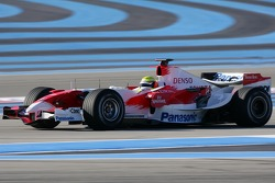 Ralf Schumacher tests the Toyota TF107