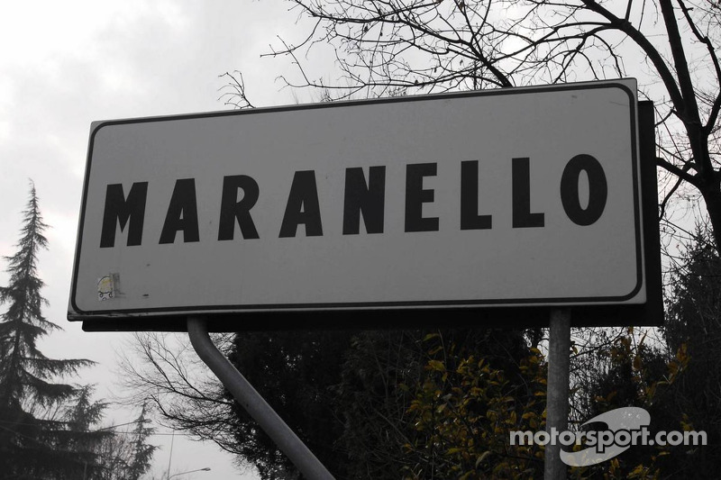 Cartel de la calle en Maranello