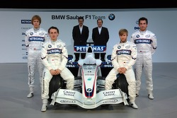Dr. Mario Theissen, BMW Motorsport Director, Sebastian Vettel, Nick Heidfeld, Robert Kubica, Timo Glock and Willy Rampf